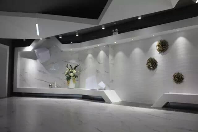 Modern porcelain tile